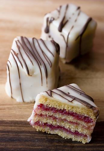Petit Four Sal Ef Bf Bd Cakes