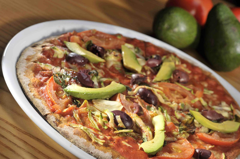 Pizza de aguacate platos principales pastas pizzas for Platos de pizza