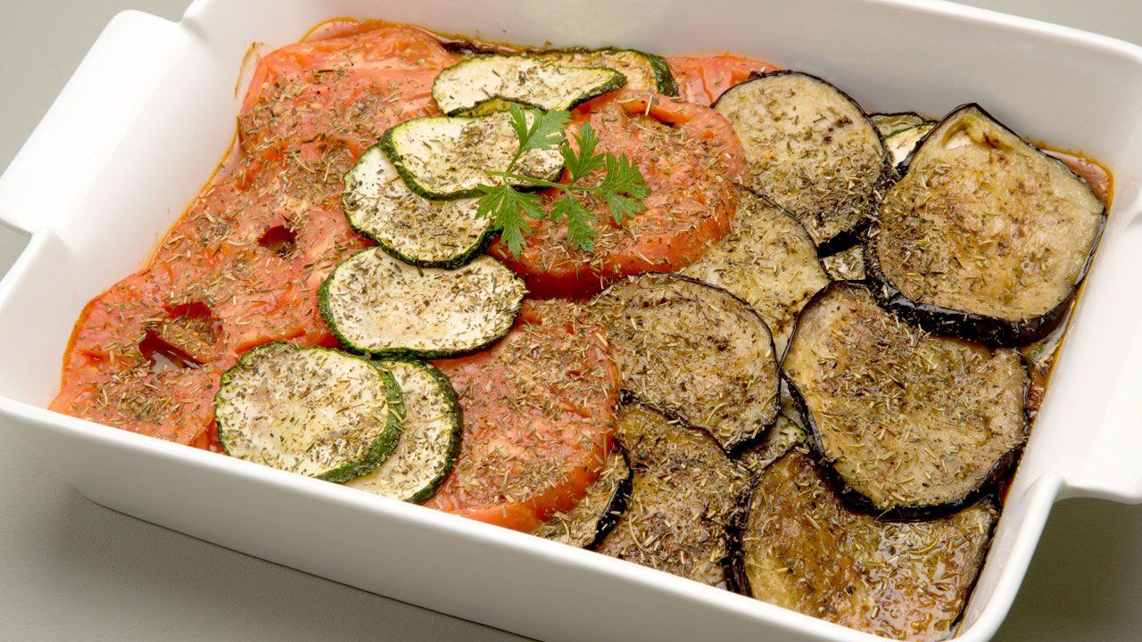 Ratatouille de karlos argui ano platos entrantes for Platos principales franceses