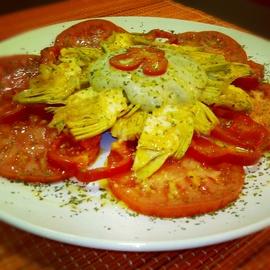 Carpaccio de alcachofas con salsa pecana