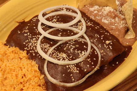 Enchiladas de mole vegetarianas