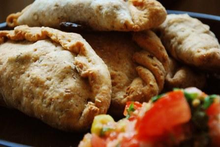 Empanadas de arroz integral y aceitunas negras