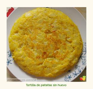 Tortilla de patatas y cebolleta