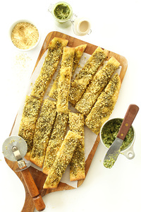 Palitos de pan al pesto