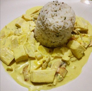 Tofu cremoso al curry