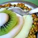Crocante de pistachos, coco, palta y lima